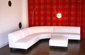 Classic_White_Sectional_End